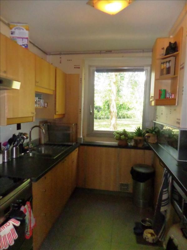 Sale apartment La celle st cloud 219000€ - Picture 2