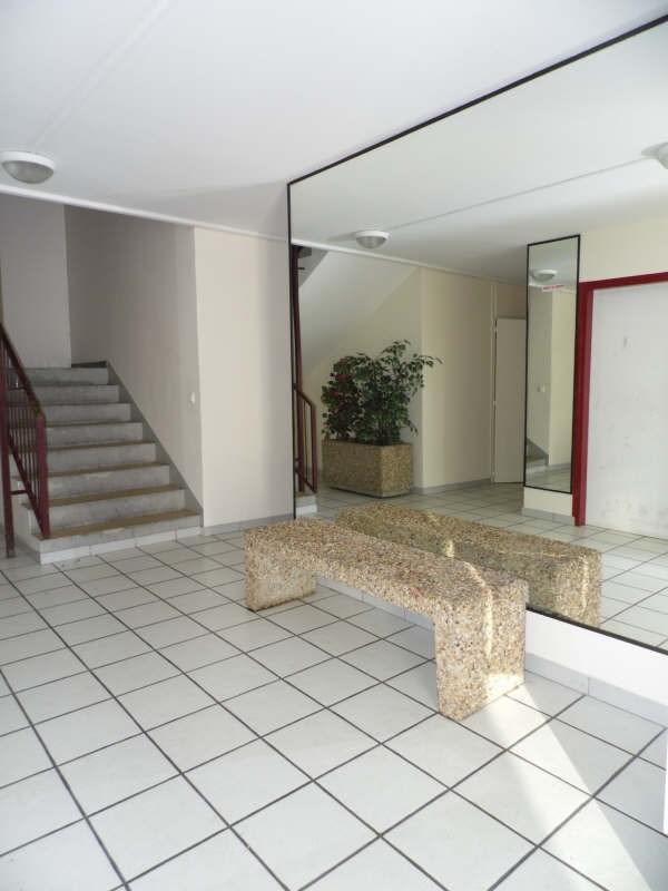 Sale apartment St florentin 55 000€ - Picture 2