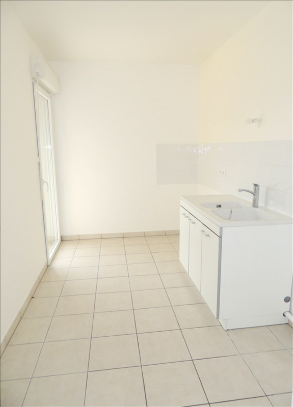 Sale apartment Prevessin-moens 320 000€ - Picture 4