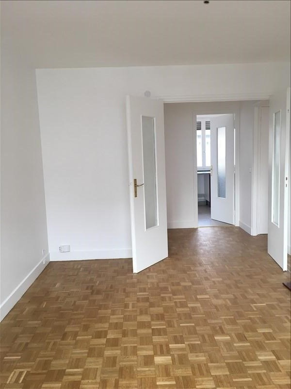 Location appartement Courbevoie 955€ CC - Photo 6