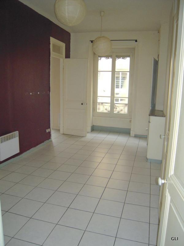 Rental apartment Lyon 6ème 636€ CC - Picture 2