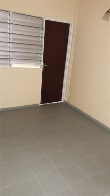 Alquiler  apartamento Les abymes 700€ CC - Fotografía 4