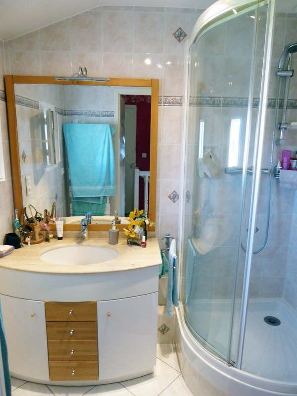 Vente maison / villa Maurepas 325500€ - Photo 6