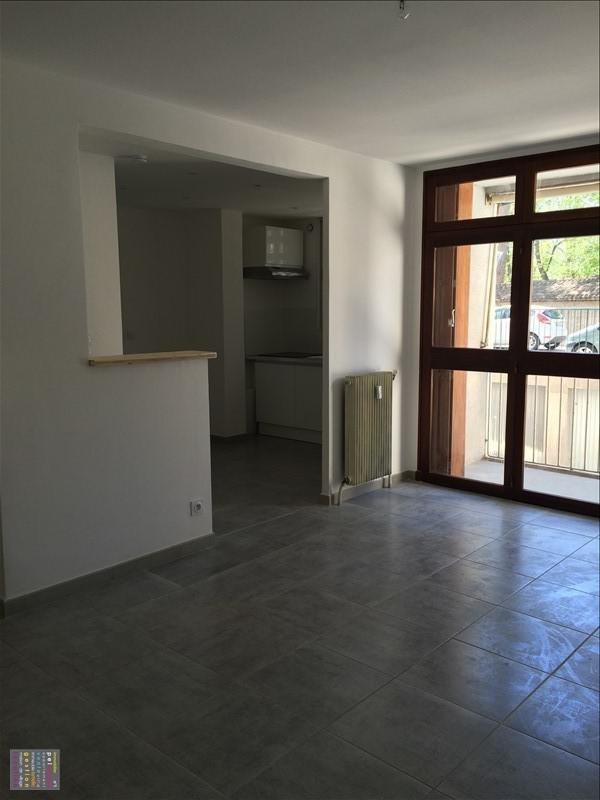 Rental apartment Salon de provence 830€ CC - Picture 1