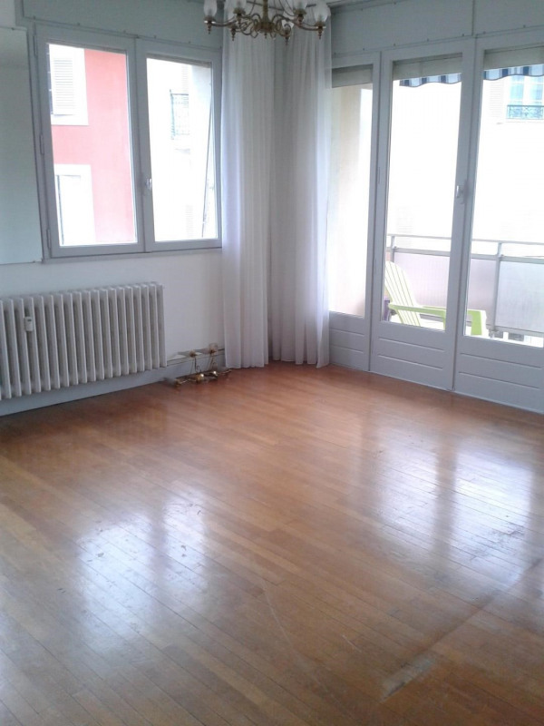 Rental apartment Chambéry 605€ CC - Picture 2