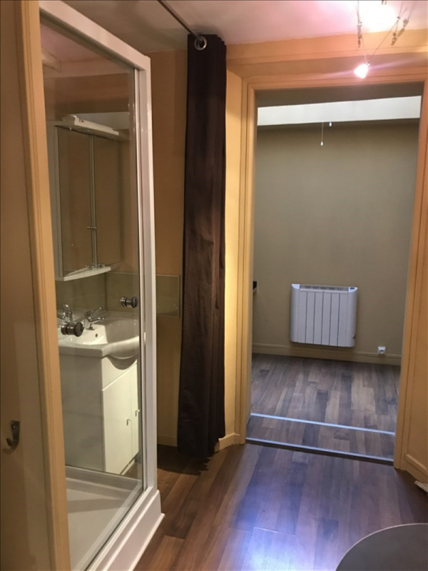 Location appartement Toulon 420€ CC - Photo 3