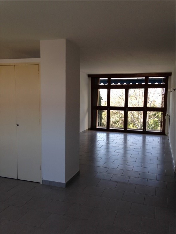 Location appartement Salon de provence 800€ CC - Photo 2