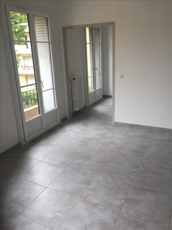 Location appartement Aix en provence 770€ CC - Photo 3