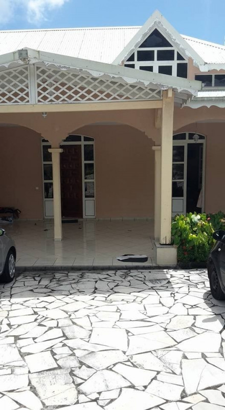 Deluxe sale house / villa Gourbeyre 553 850€ - Picture 12
