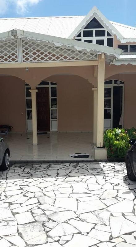 Vente de prestige maison / villa Gourbeyre 553850€ - Photo 12