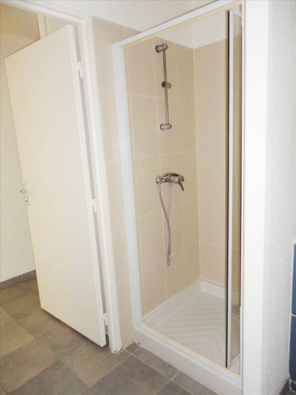 Location appartement Toulon 415€ CC - Photo 4