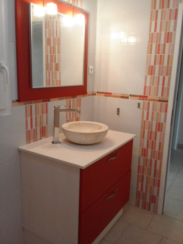 Location maison / villa Montchaude 830€ CC - Photo 3