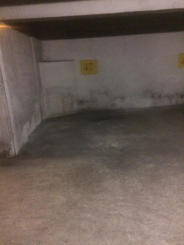 Rental parking spaces Paris 7ème 150€ CC - Picture 2