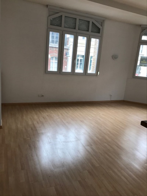 Rental apartment St quentin 650€ CC - Picture 1