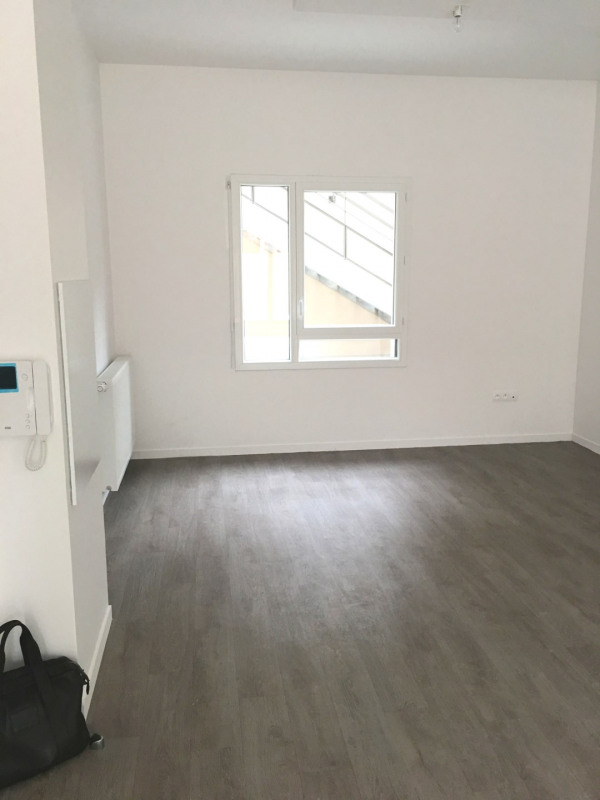 Location bureau Montreuil 1 420€ HT/HC - Photo 7