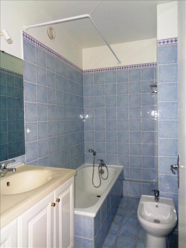 Rental apartment Toulon 730€ CC - Picture 9