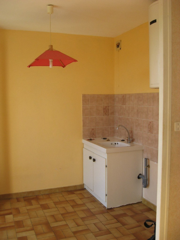 Location appartement Crest 313€ CC - Photo 2