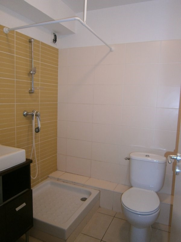 Location appartement St denis 347€ CC - Photo 5