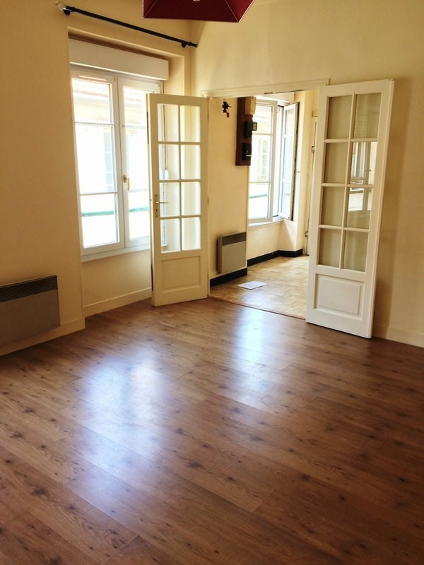 Rental apartment Versailles 720€ CC - Picture 1