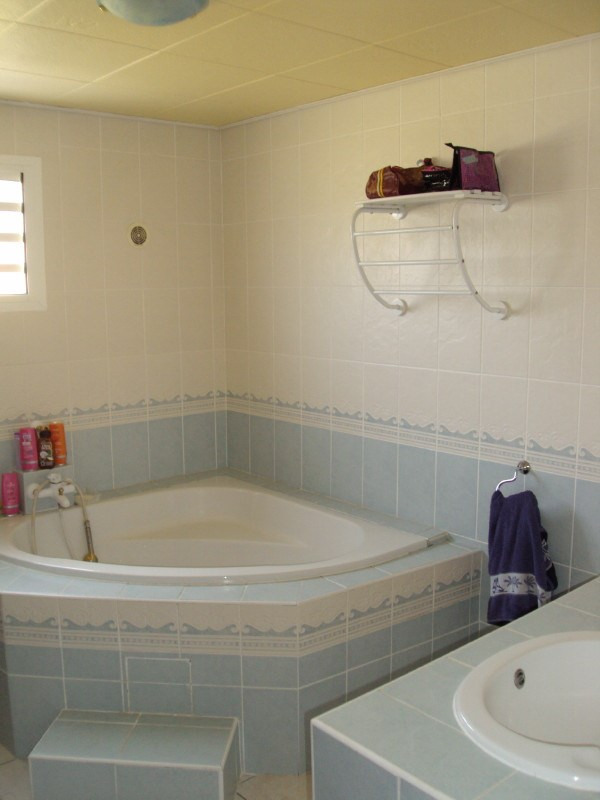 Rental house / villa Les trois mares 900€ +CH - Picture 3