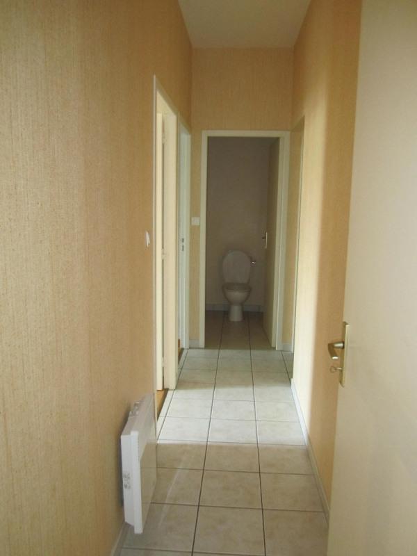 Rental apartment Baignes-sainte-radegonde 418€ CC - Picture 3