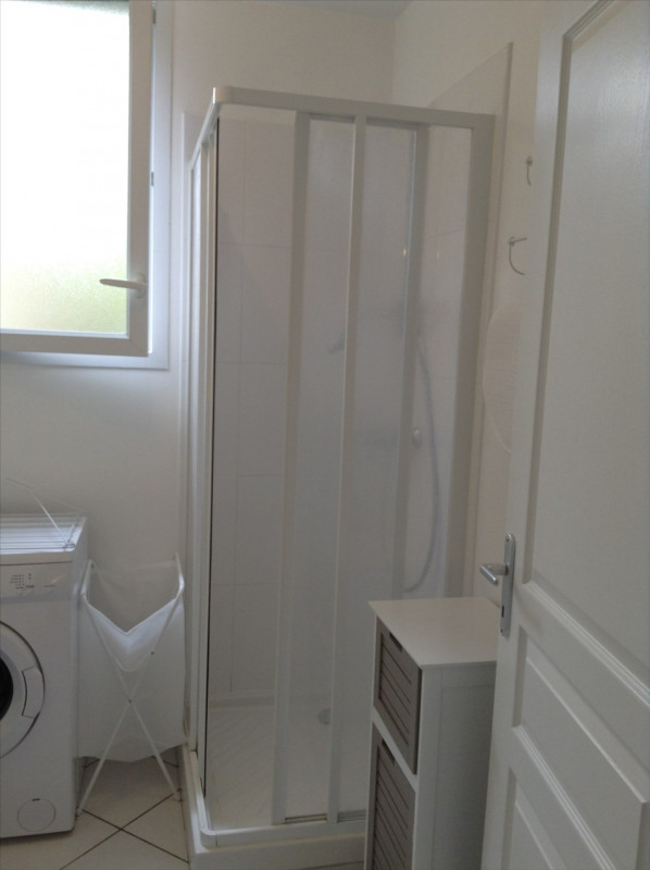 Location appartement Fontainebleau 810€ CC - Photo 13