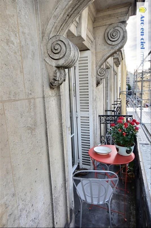 Revenda apartamento Paris 18ème 699000€ - Fotografia 4