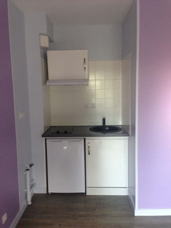 Rental apartment Poitiers 310€ CC - Picture 1