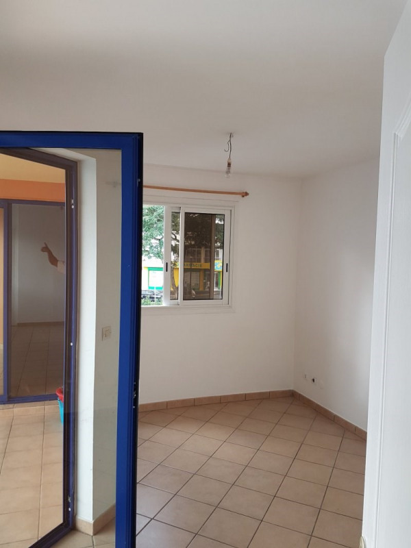 Rental apartment Le tampon 580€ +CH - Picture 7