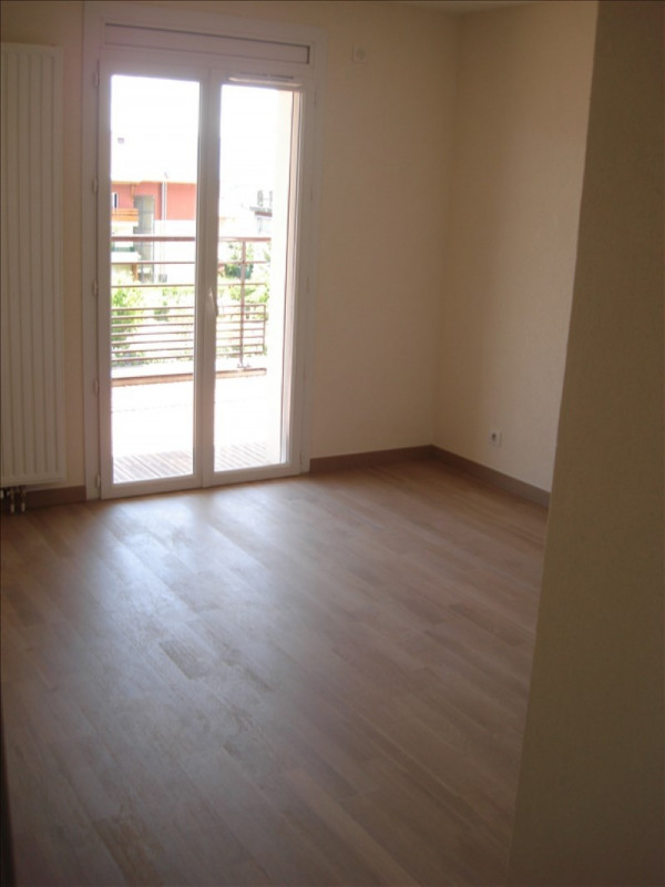Rental apartment Thoiry 934€ CC - Picture 4