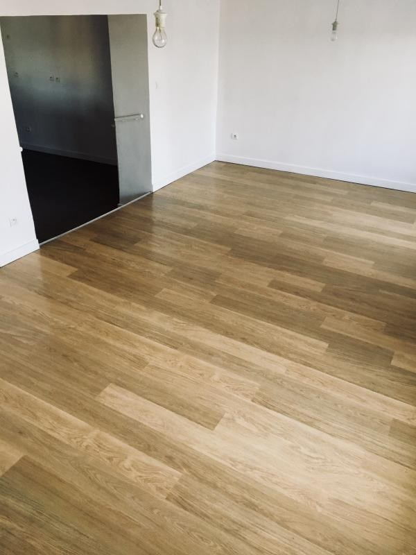 Sale apartment Dardilly 240000€ - Picture 2