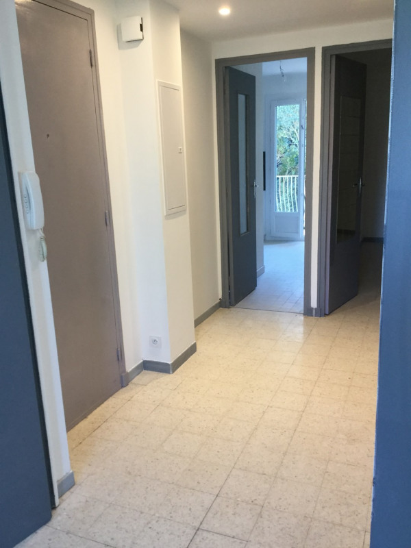 Location appartement Aix-en-provence 735€ CC - Photo 9