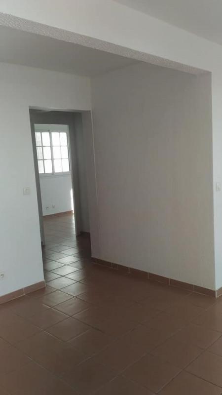 Rental apartment Vieux habitants 650€ CC - Picture 8