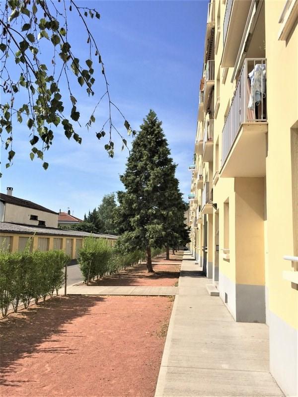 Sale apartment Lyon 8ème 129000€ - Picture 2