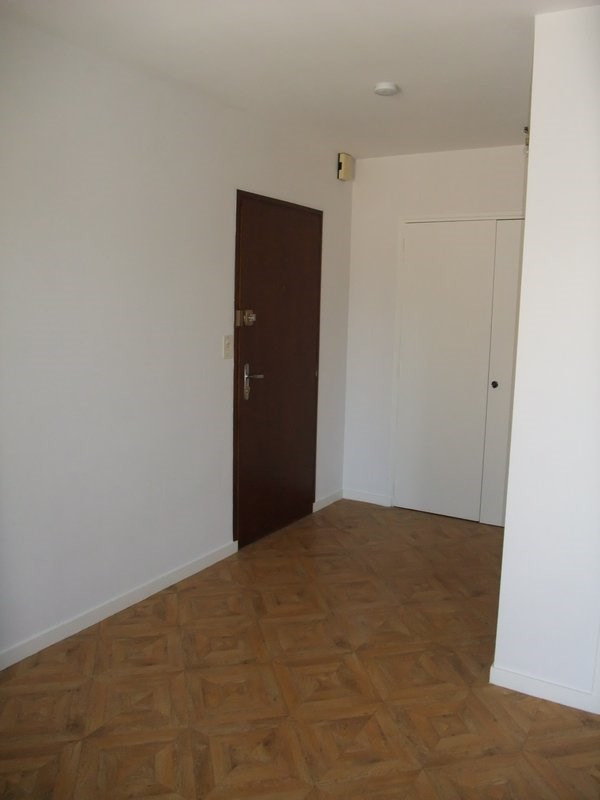 Location appartement Coutances 370€ CC - Photo 2