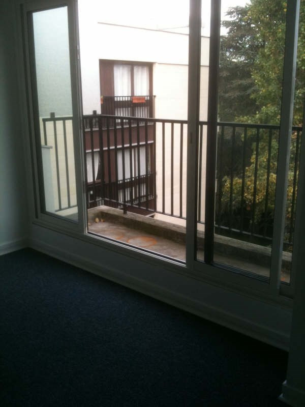 Location appartement Le chesnay 661€ CC - Photo 3