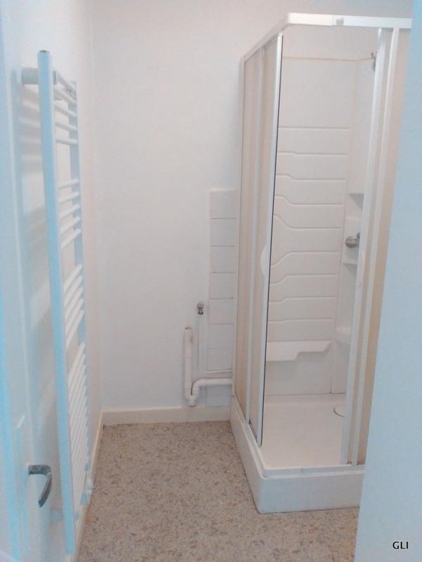 Rental apartment Villars 390€ CC - Picture 3