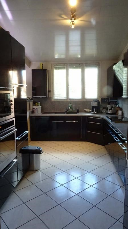 Sale house / villa Montmagny 323 000€ - Picture 2