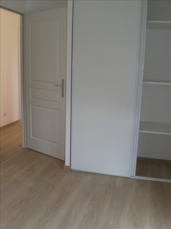 Location appartement Neuves maisons 583€ CC - Photo 3