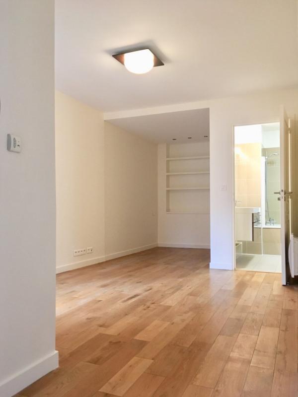 Location maison / villa Paris 17ème 5979€ CC - Photo 8
