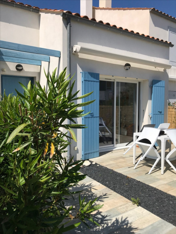 Sale house / villa Saint-denis-d'oleron 220 400€ - Picture 1