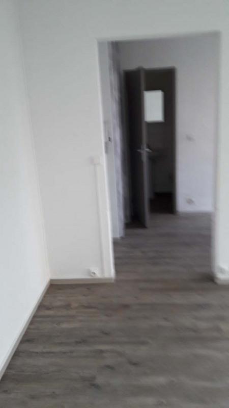 Location appartement Nimes 360€ CC - Photo 2
