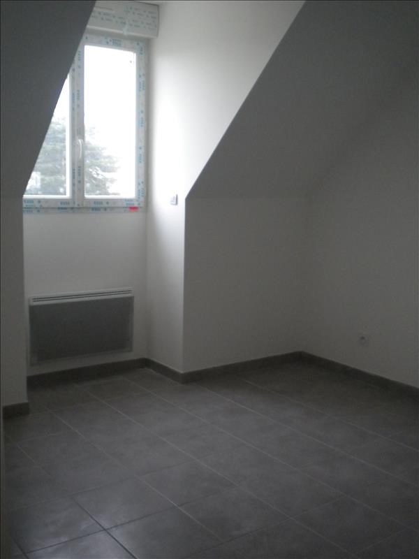 Location maison / villa Ste anne 796€ CC - Photo 7
