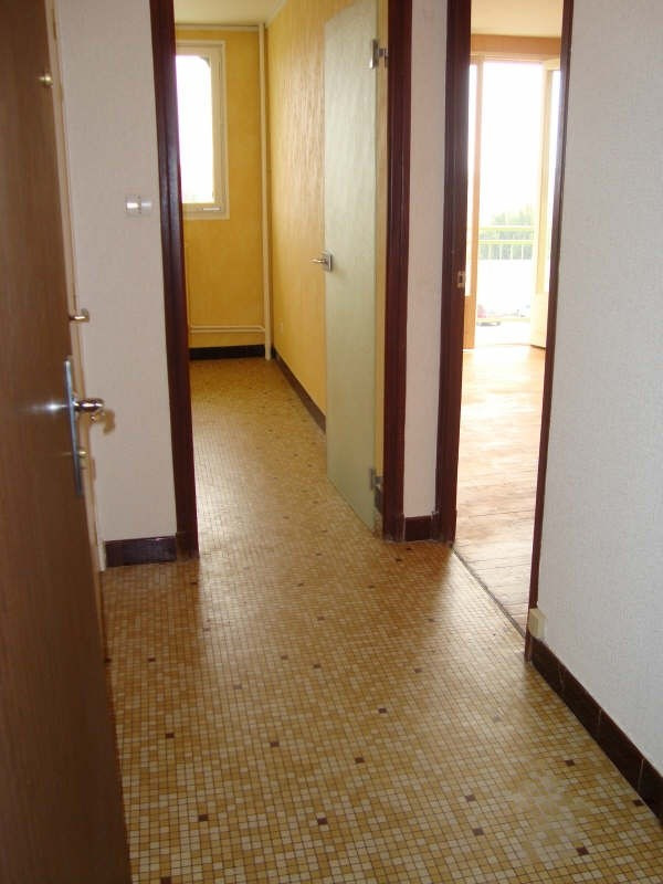 Location appartement Montlucon 453€ CC - Photo 4
