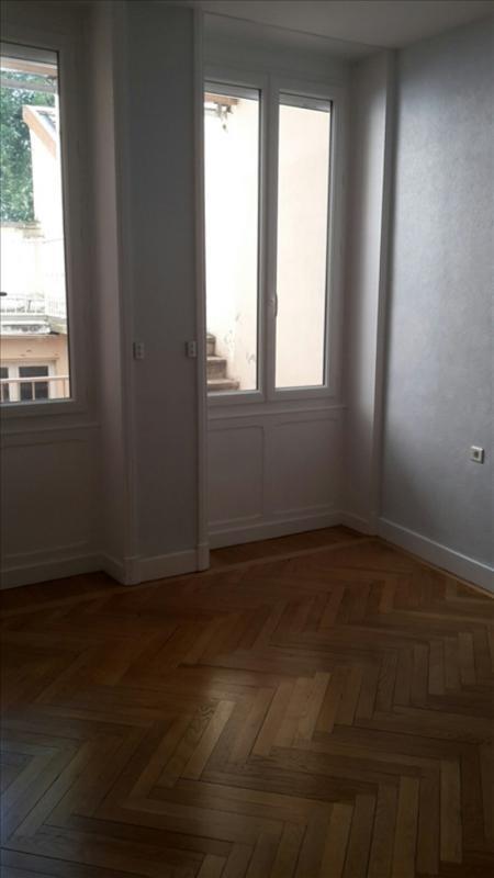 Location appartement Roanne 540€ CC - Photo 2