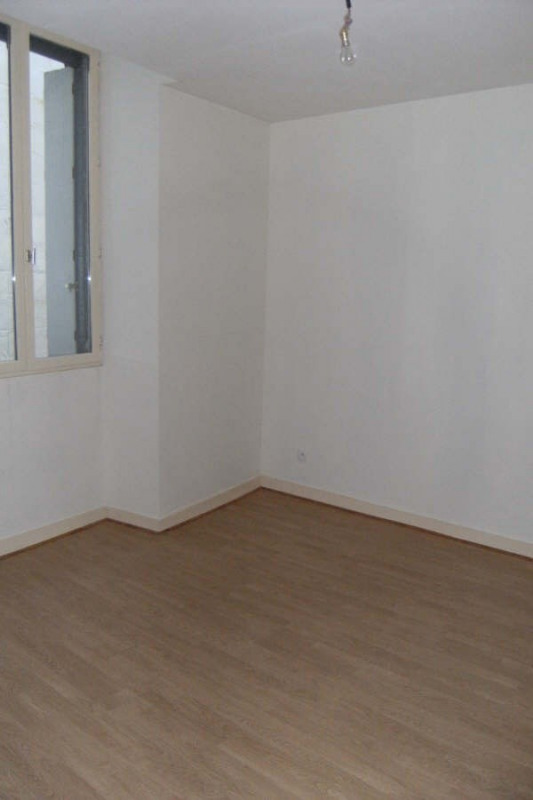 Location appartement Chatellerault 370€ CC - Photo 3