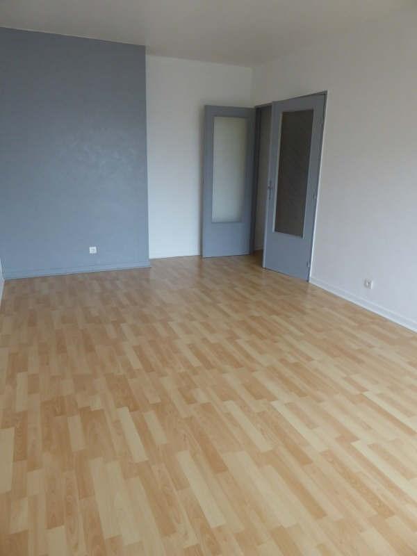 Rental apartment Maurepas 759€ CC - Picture 2