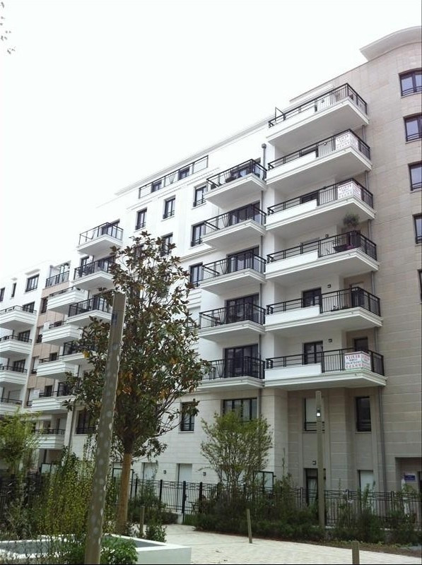 Rental apartment Suresnes 1 664€ CC - Picture 1