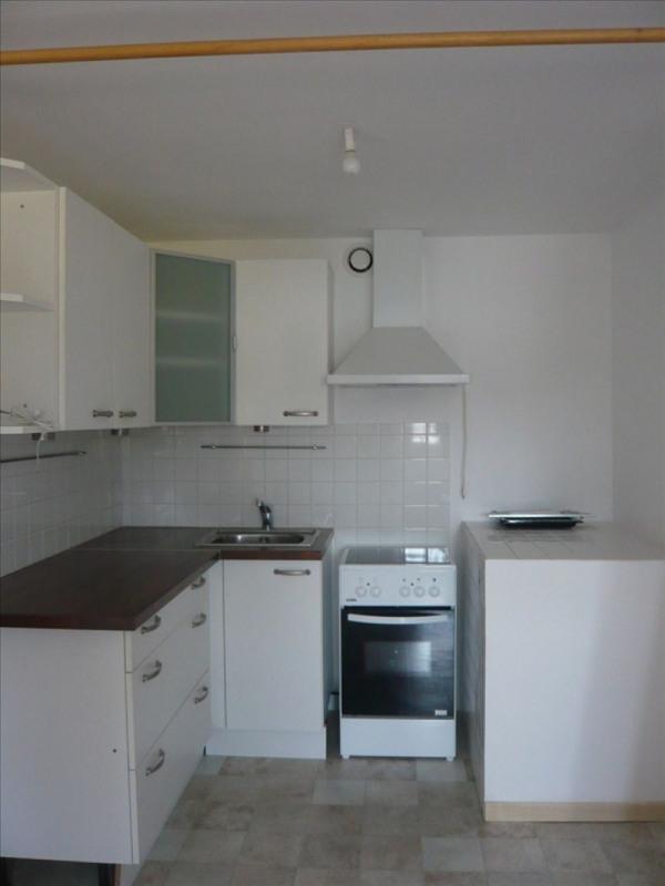 Rental apartment Pluvigner 380€ CC - Picture 1