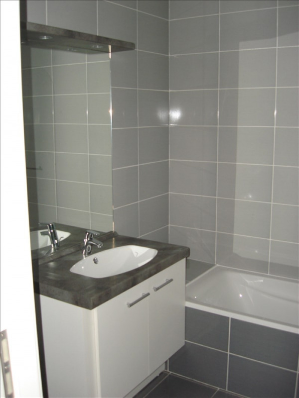 Rental apartment Thoiry 934€ CC - Picture 5